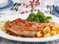 Новогодние рецепты: Запеченные ножки индейки с овощами