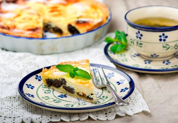 Рецепт                  Пирог с творогом и черносливом