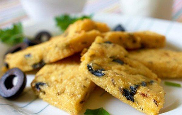 Рецепт                  Полента с сыром и маслинами