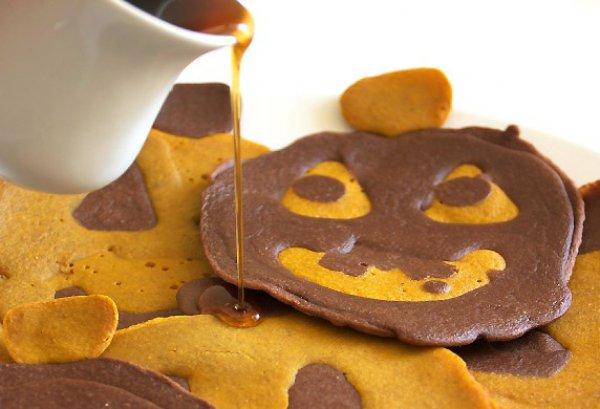 Рецепт                  Тыквенно-шоколадные оладьи на Хэллоуин