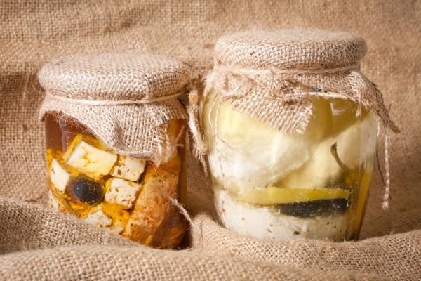 Рецепт                  Маринованная фета с чесноком