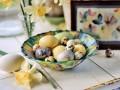 Красим пасхальные яйца: Как добиться мраморного эффекта