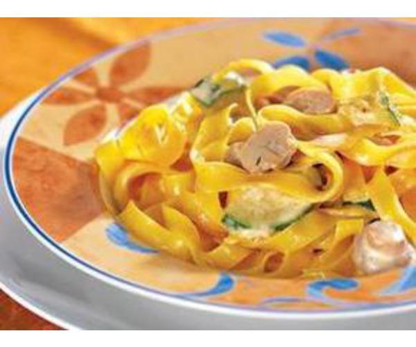 Рецепт                  Тальятелле под сливочным соусом с цуккини и грибами
