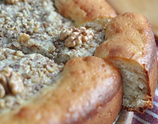 Рецепт                  Королевская ватрушка с изюмом и орехами