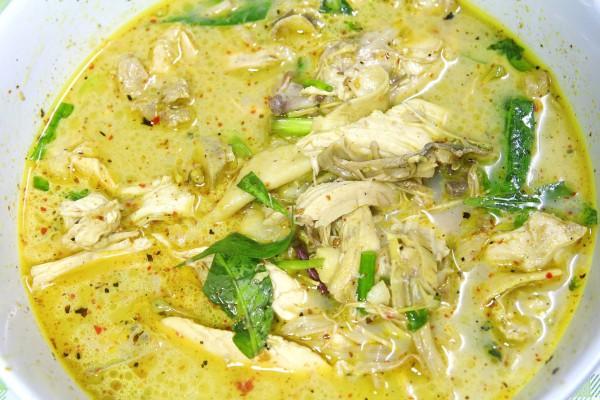 Рецепт                  Карри с курицей и базиликом