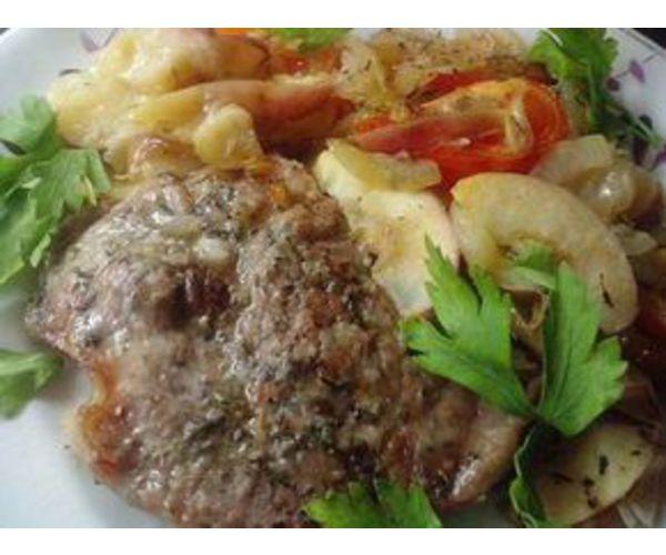Рецепт                  Свиная отбивная с картофелем и яблоками