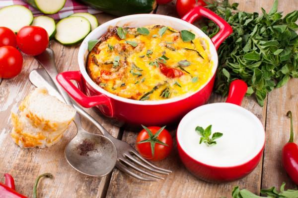Рецепт                  Запеканка из кабачков, помидоров и творога