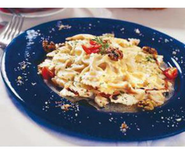 Рецепт                  Фарфалле с сыром и грецкими орехами