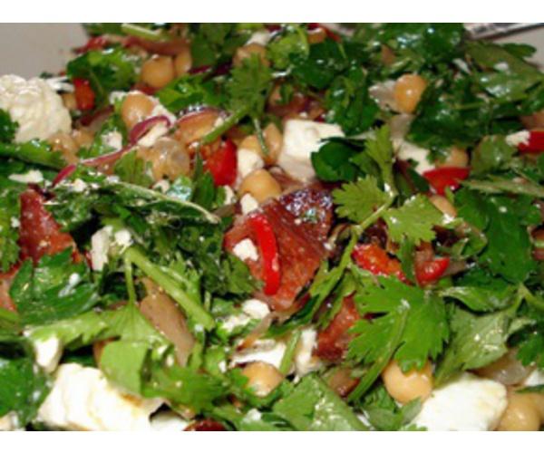 Рецепт                  Теплый салат с турецким горохом и чорицо