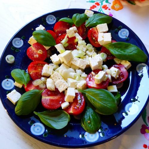 Рецепт                  Салат из шпината с помидорами черри