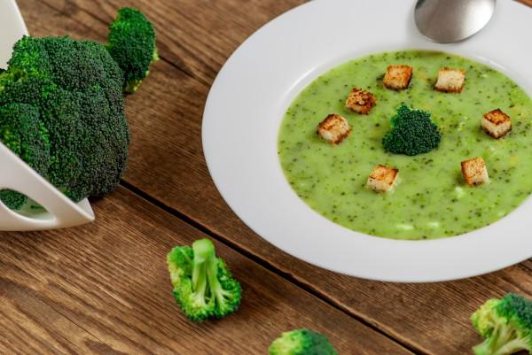 Рецепт                  Великий пост 2015: Суп-пюре из брокколи с гренками