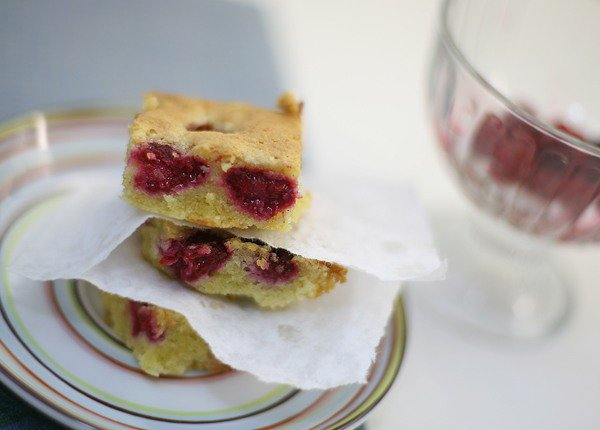 Рецепт                  Миндальный пирог с малиной