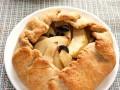 Постная галета с яблоками и черносливом