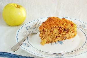 Яблочный кекс с овсяными хлопьями и пряностями