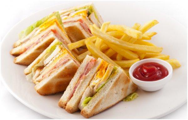 Клубный сэндвич подавай с картофелем фри