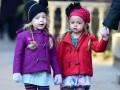 Милые и стильные: Как родители одевают близнецов