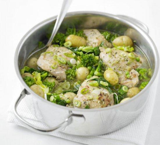 Рецепт                  Весеннее жаркое из курицы и молодого картофеля