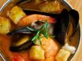 Уха из морепродуктов с зеленью