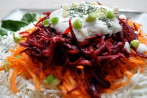 Салат из свеклы, моркови и сельдерея