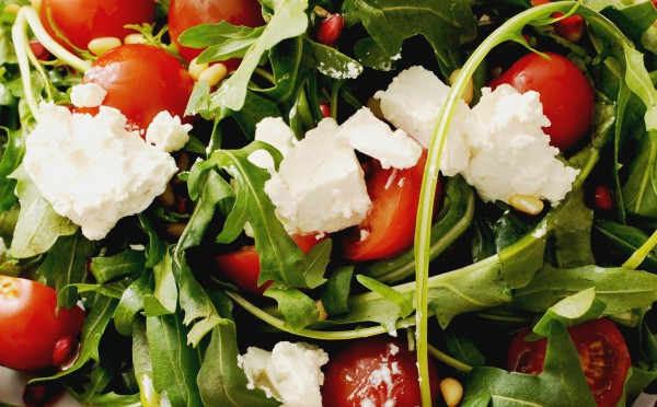 Рецепт                  Салат из рукколы с фетой и помидорами черри