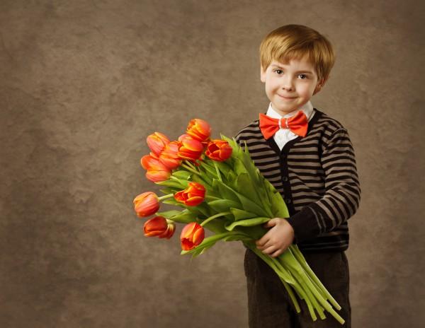 Предложи ребенку поздравить друга на