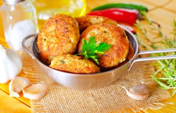 Рецепт                  Котлеты из индейки по-итальянски