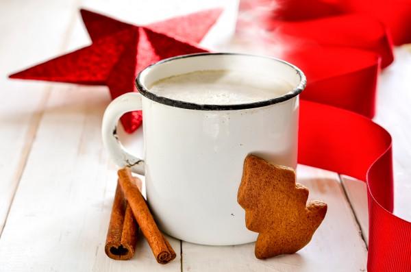 Рождественский молочно-яичный напиток