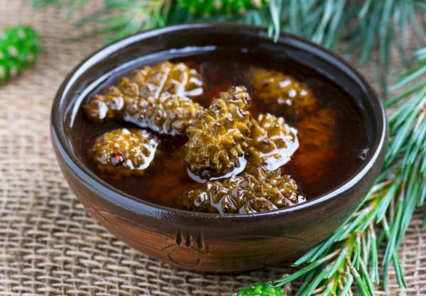 Рецепт                  Как варить варенье из еловых шишек