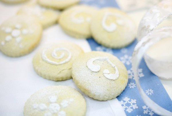 Рецепт                  Молочные коржики с ванилью