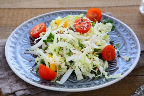 Рецепт                  Салат из пекинской капусты с помидорами