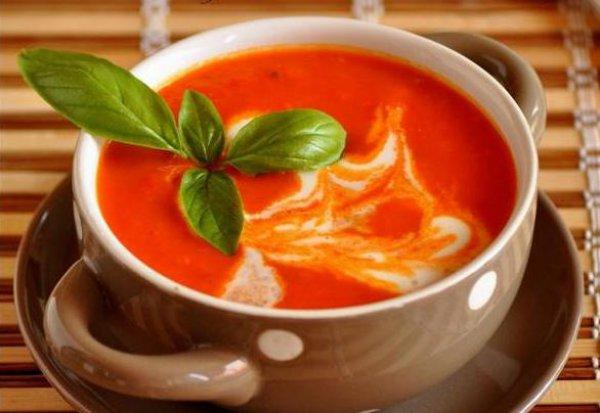 Рецепт                  Томатный суп с чесночными гренками