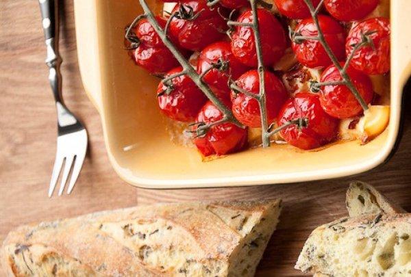 Рецепт                  Запеченная фета с помидорами черри