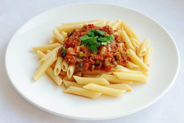 Рецепт                  Пенне с тунцом в томатном соусе