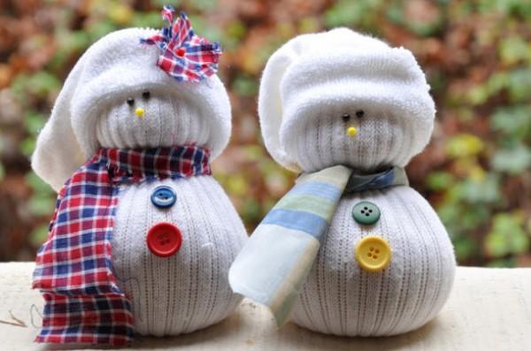 Снеговик своими руками из носка и риса