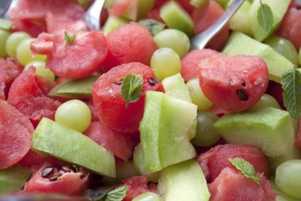 Рецепт                  Салат из дыни, арбуза и винограда