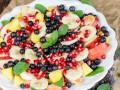 Вкусный фруктовый салат с медовой заправкой
