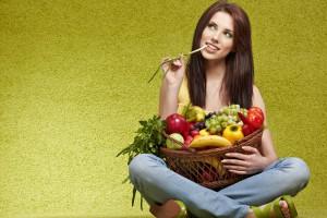Перед употреблением обязательно мой овощи и фрукты