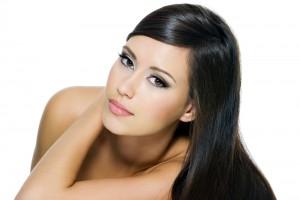 Чтобы волосы были красивыми, тебе необходим витамин А, крепкий сон и правильный уход