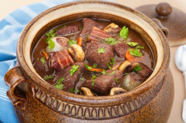 Рецепт                  Говядина с овощами по-бургундски