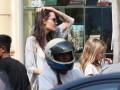 Папарацци засняли Анджелину Джоли в компании неизвестного мужчины