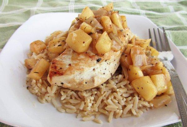 Рецепт                  Курица, тушеная с яблоками