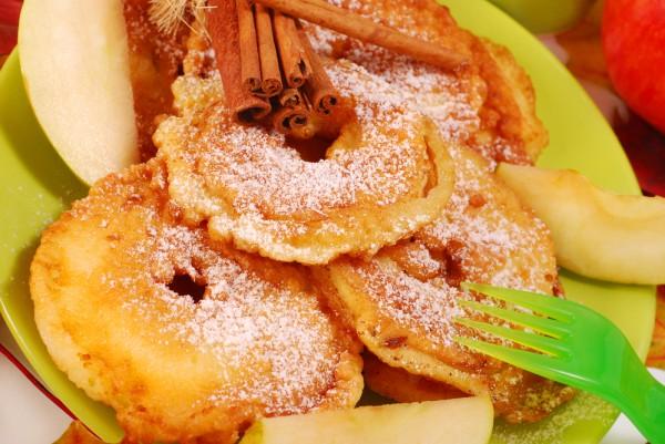 Рецепт                  Яблоки в кляре