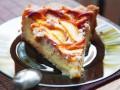 Тарт с персиками и сливочной заливкой
