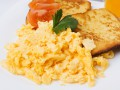 Яйца-скрэмбл по рецепту Джейми Оливера