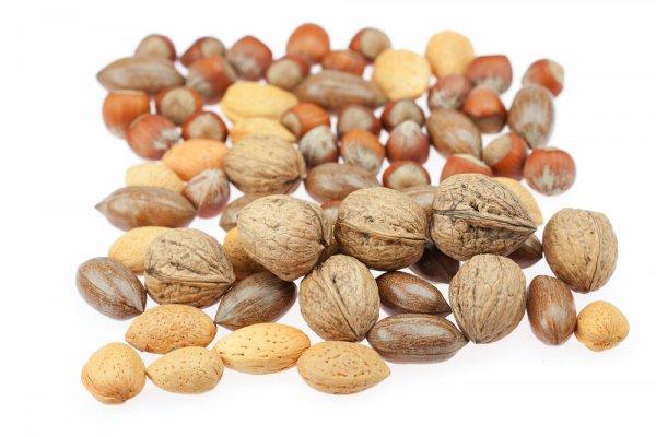 Орехи снижают аппетит и помогают бороться со стрессом