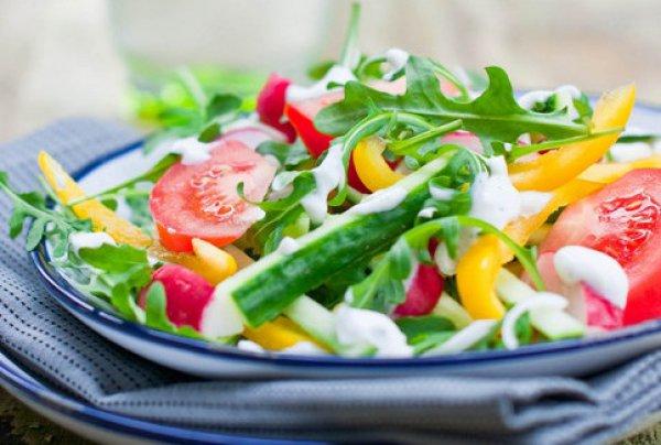 Рецепт                  Овощной салат с чесночной заправкой