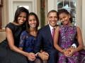 Барак Обама покупает вещи для жены и дочек в бюджетном магазине