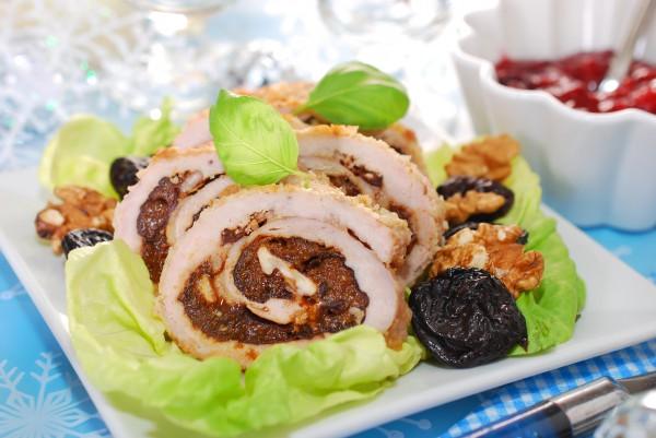Рецепт                  Рецепты на Рождество: Мясной рулет с черносливом и орехами