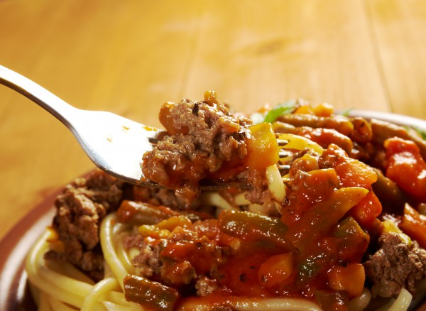 Рецепт                  Спагетти с мясным фаршем и овощами