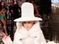 Lady Gaga надела мешковатый костюм, чтоб скрыть лишний вес